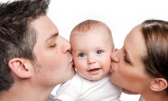 Что лучше подарить на рождение первенца жене?